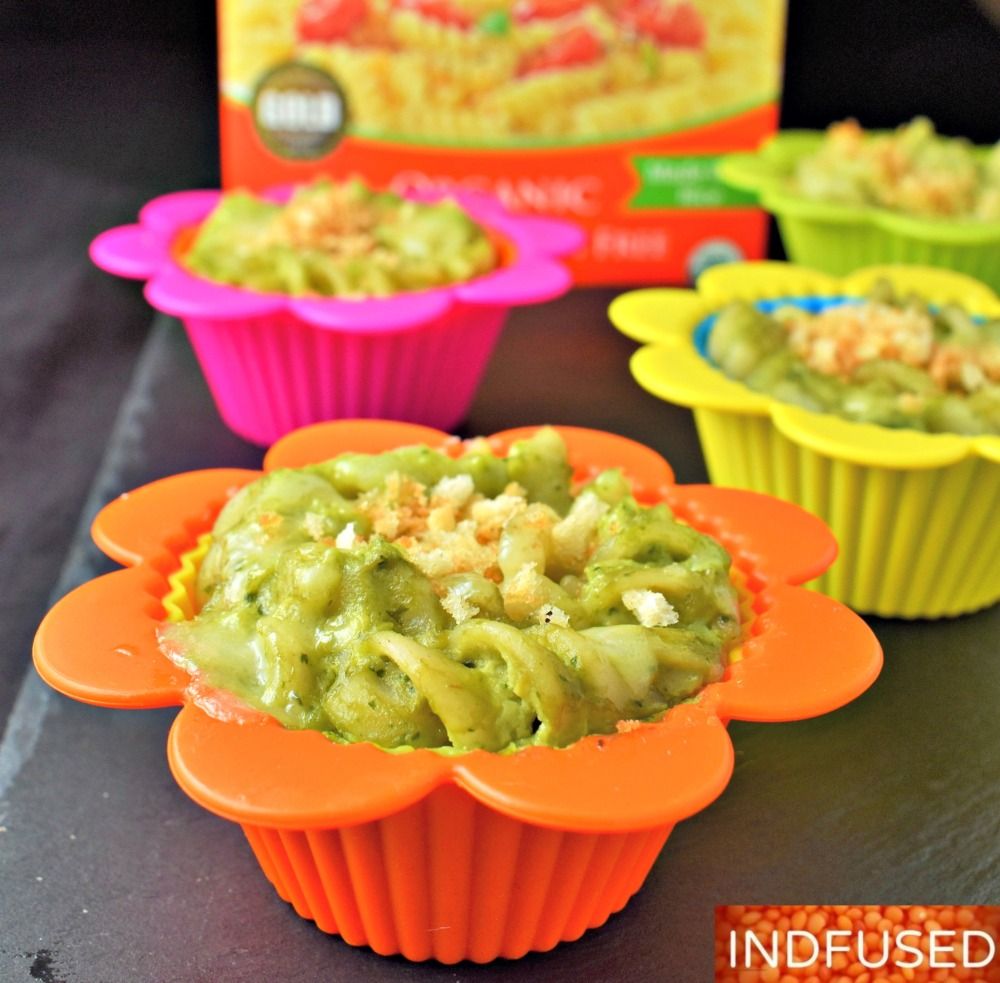Vegetarian, gluten free #Tresomega quinoa fusilli in delectable avocado sauce topped with fontina and gluten free bread crumbs! makes 8 servings.