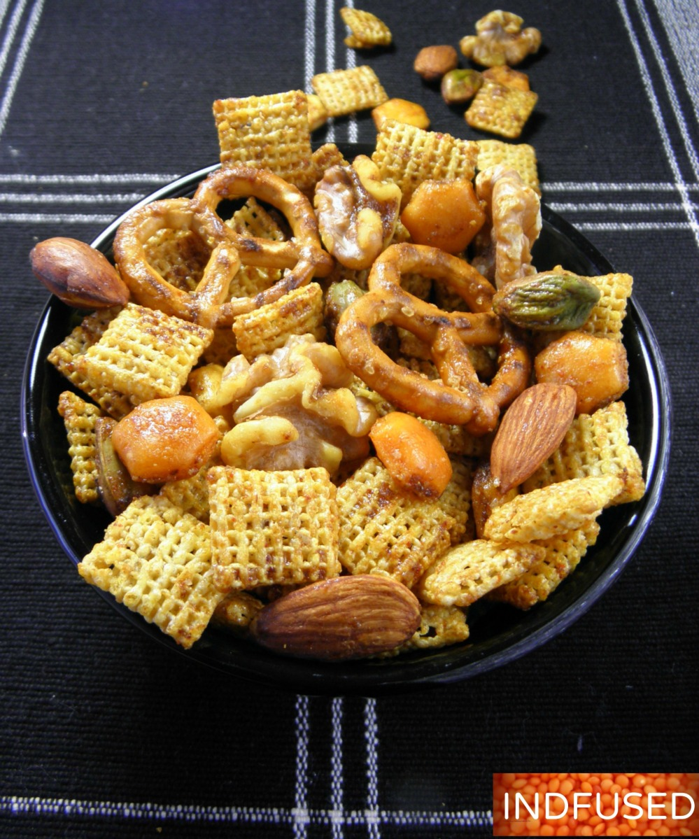 Thanksgiving and Christmas snack mix that your family will love!